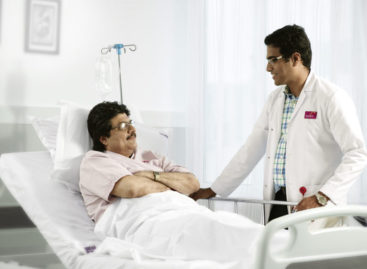 What kind of medical conditions are covered in critical care service?
